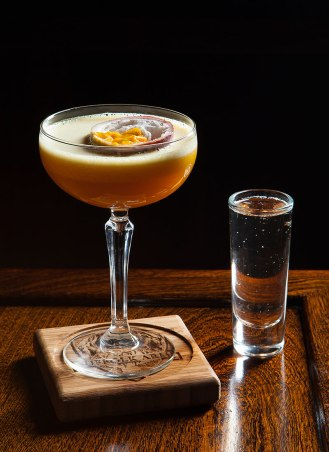 Article-Porn-Star-Vodka-Passionfruit-Martini-Recipe-Giuseppe-Gonzalez-Suffolk-Arms-NYC